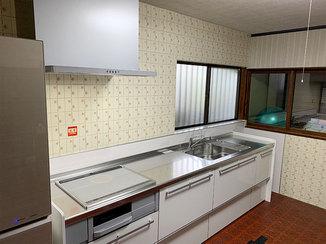 キッチンリフォーム 壁タイルを残し雰囲気を保ったままリフォームしたキッチン