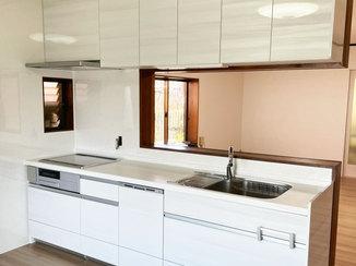 キッチンリフォーム 自動水栓や食洗機がついた便利なキッチンと、ペットも快適に過ごせるお部屋