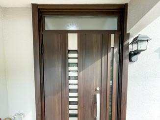 エクステリアリフォーム 採風・採光できるおしゃれな玄関ドア