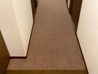 小工事 違和感なく貼り替えた廊下のカーペット